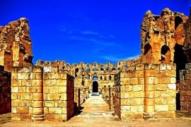 руины амфитеатра в Эль-Джеме
