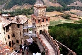 вид на замок Барди