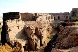 руины форта Деравар