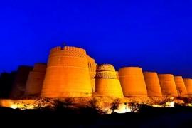 форт Деравар в сумерках