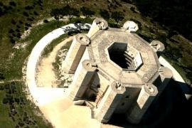 обзор Кастель дель МОнте