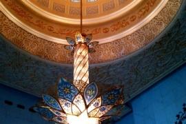 светильники в мечети Зайда