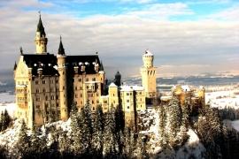 изящный замок Нойшванштайн