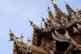 летающие божества в храме Истины