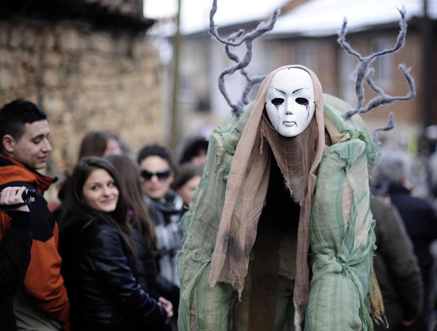 призрак карнавала Вевчани