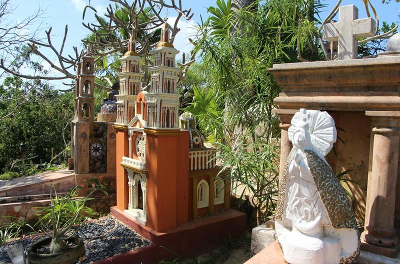 памятник в виде костела