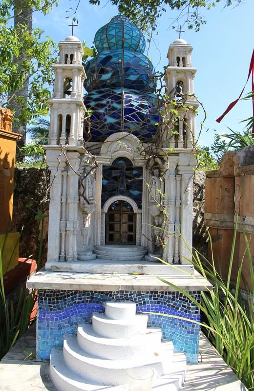 памятник как мавзолей