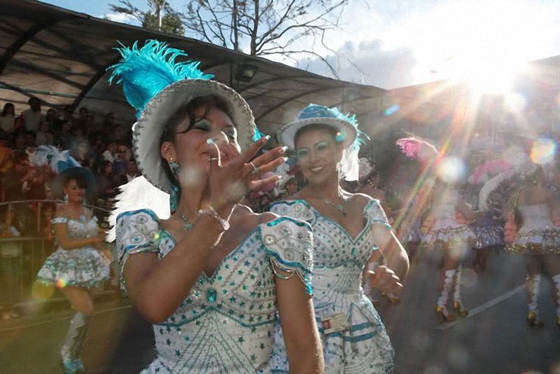 воздушные поцелуи карнавала