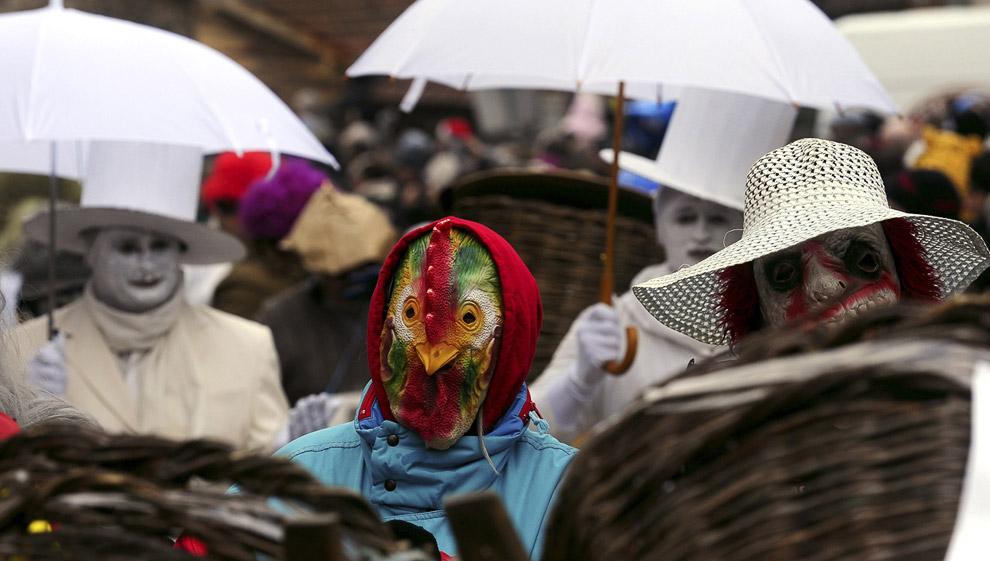 куриный костюм, Вевчани
