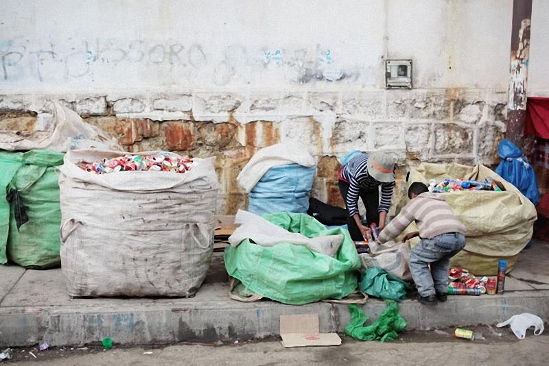мешки банок после карнавала