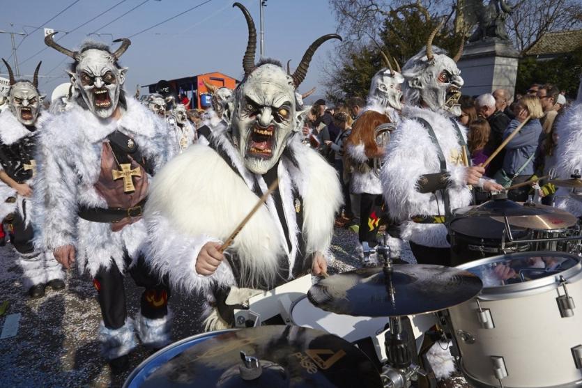 шествие чертей, карнавал Вевчани