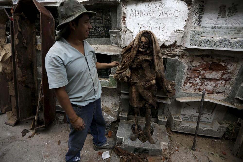 Если родственники усопшего задерживают оплату аренды, работники кладбища «выселяют» тело и отправляют его в места массового захоронения