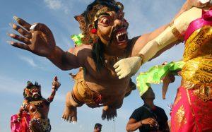 фантазия художников Бали безгранична