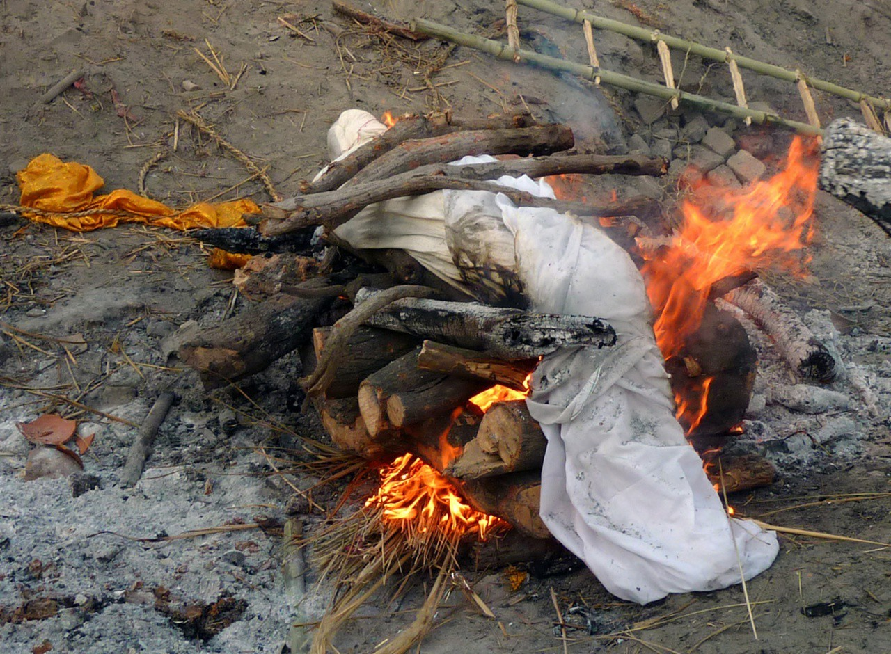 кремация в Варанаси