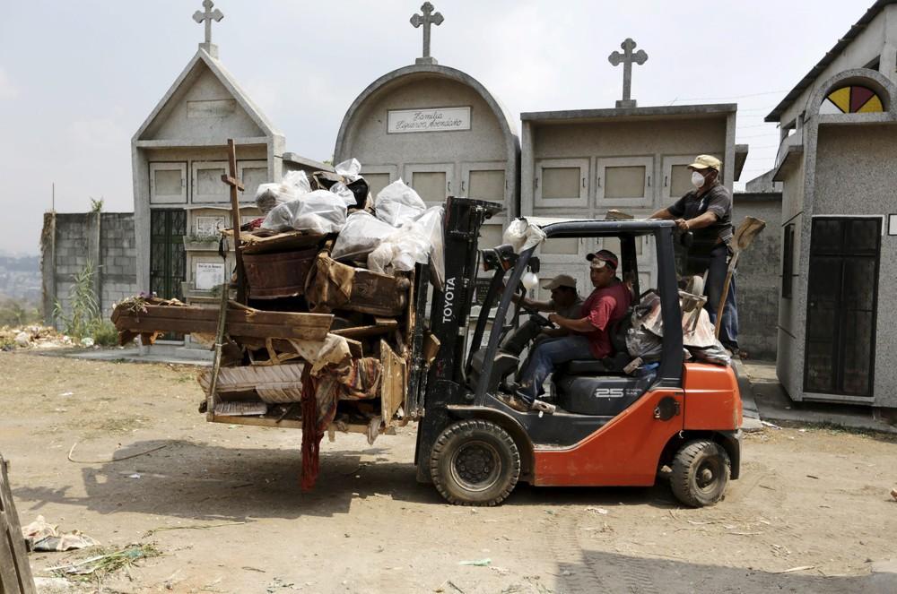 перевозка останков на братское кладбище