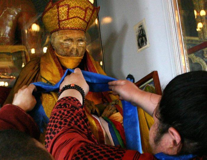 мумия бурятского монаха