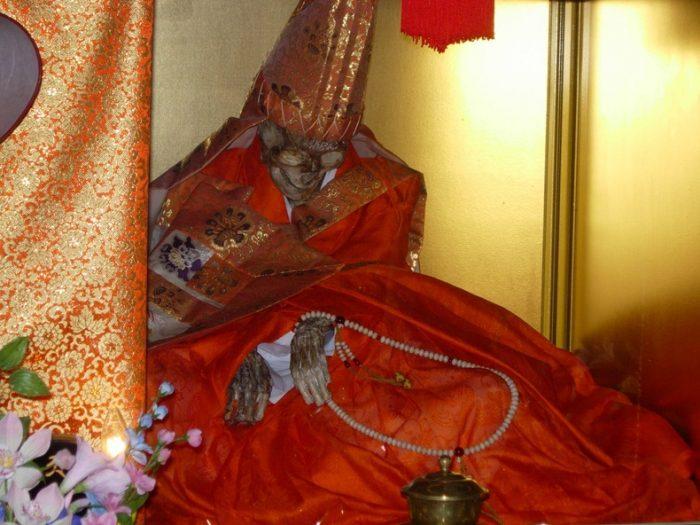 Сокушин, японская мумия