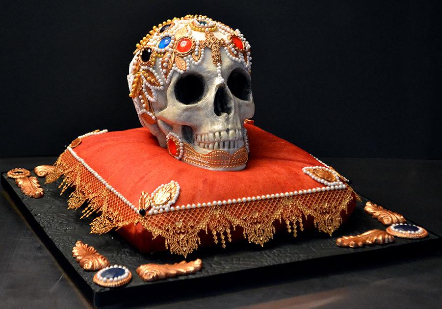 торт со скелетом