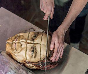 торт голова человека
