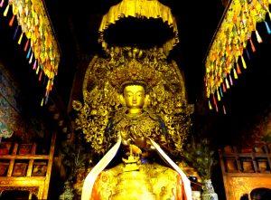 изваяние будды во дворце потала