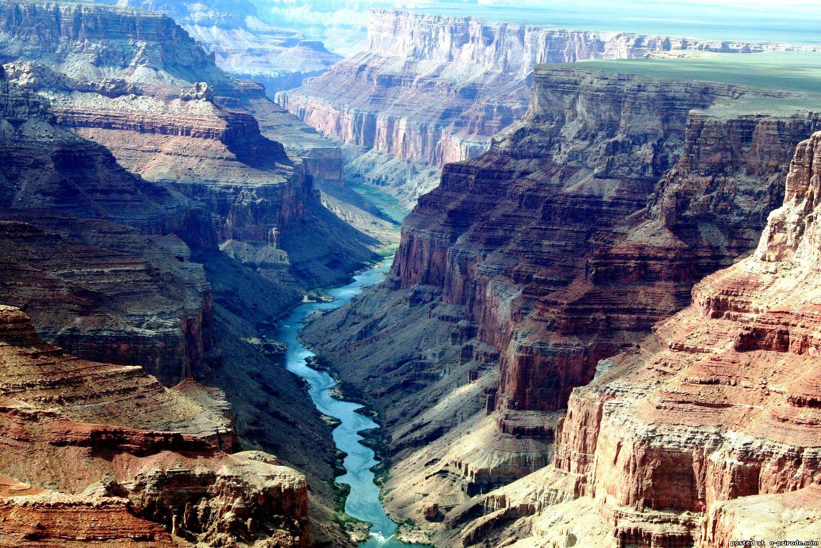 общий вид на гранд каньон