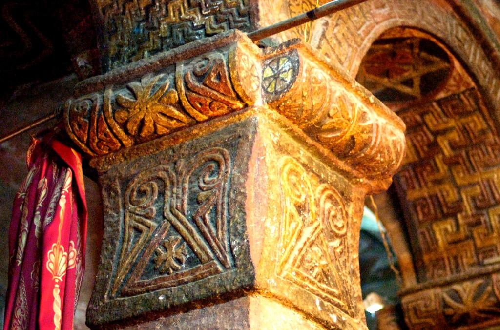 колонна в храме лалибелы