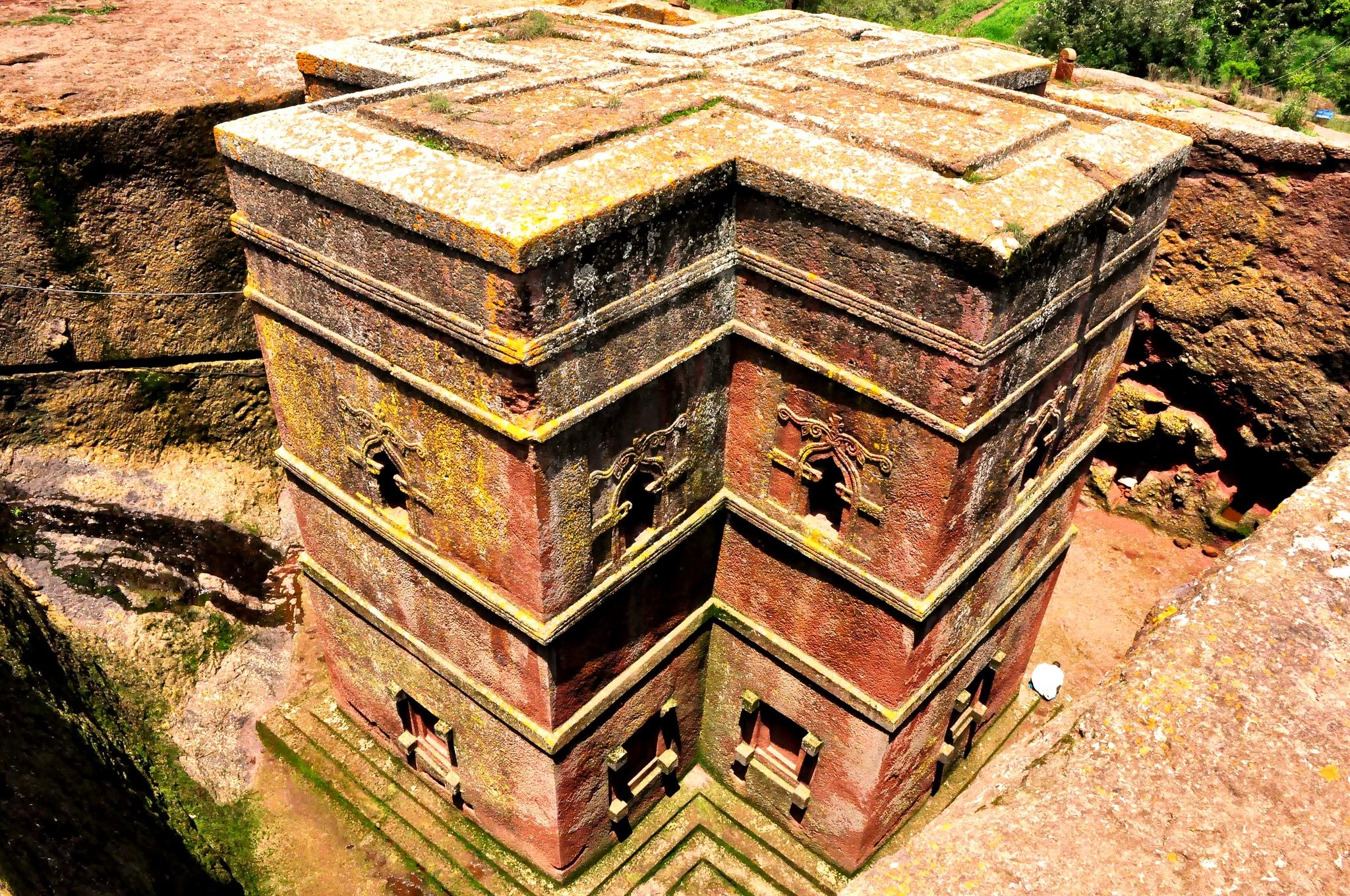 крестообразный храм лалибелы