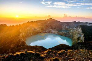 закат над вулканом