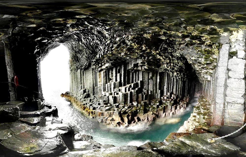 панорама пещеры фингала