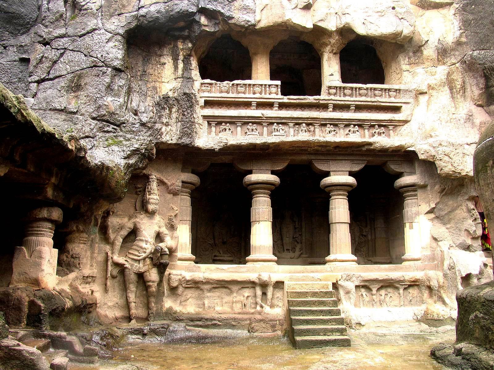 индуистский трехэтажный храм