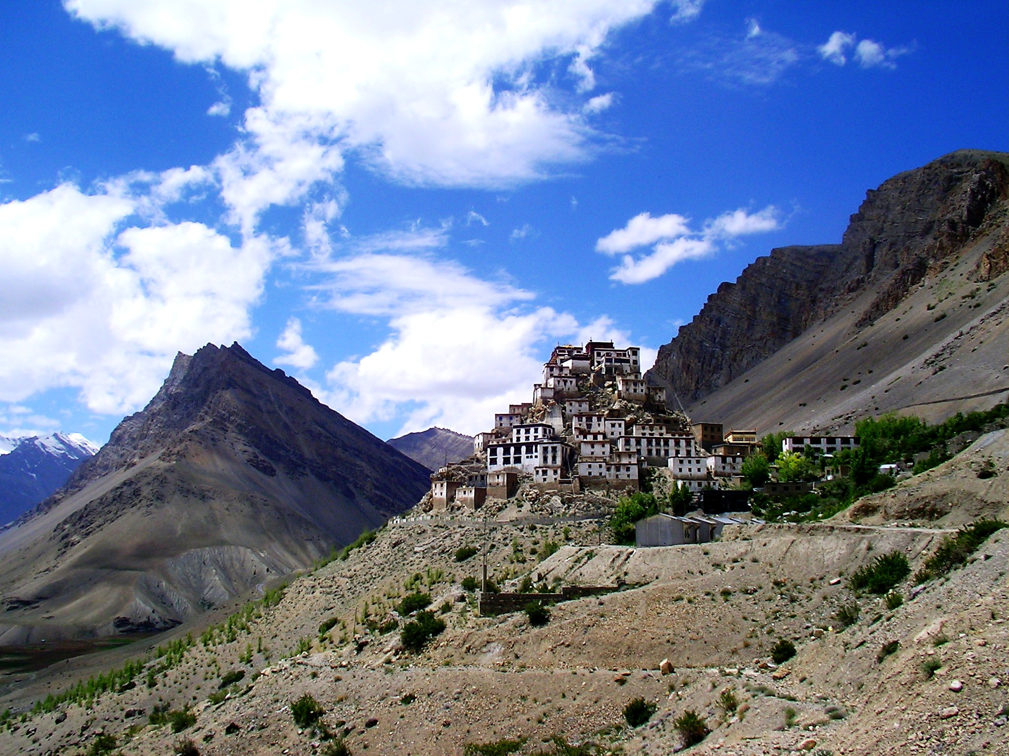 монастырь крепость ки гомпа