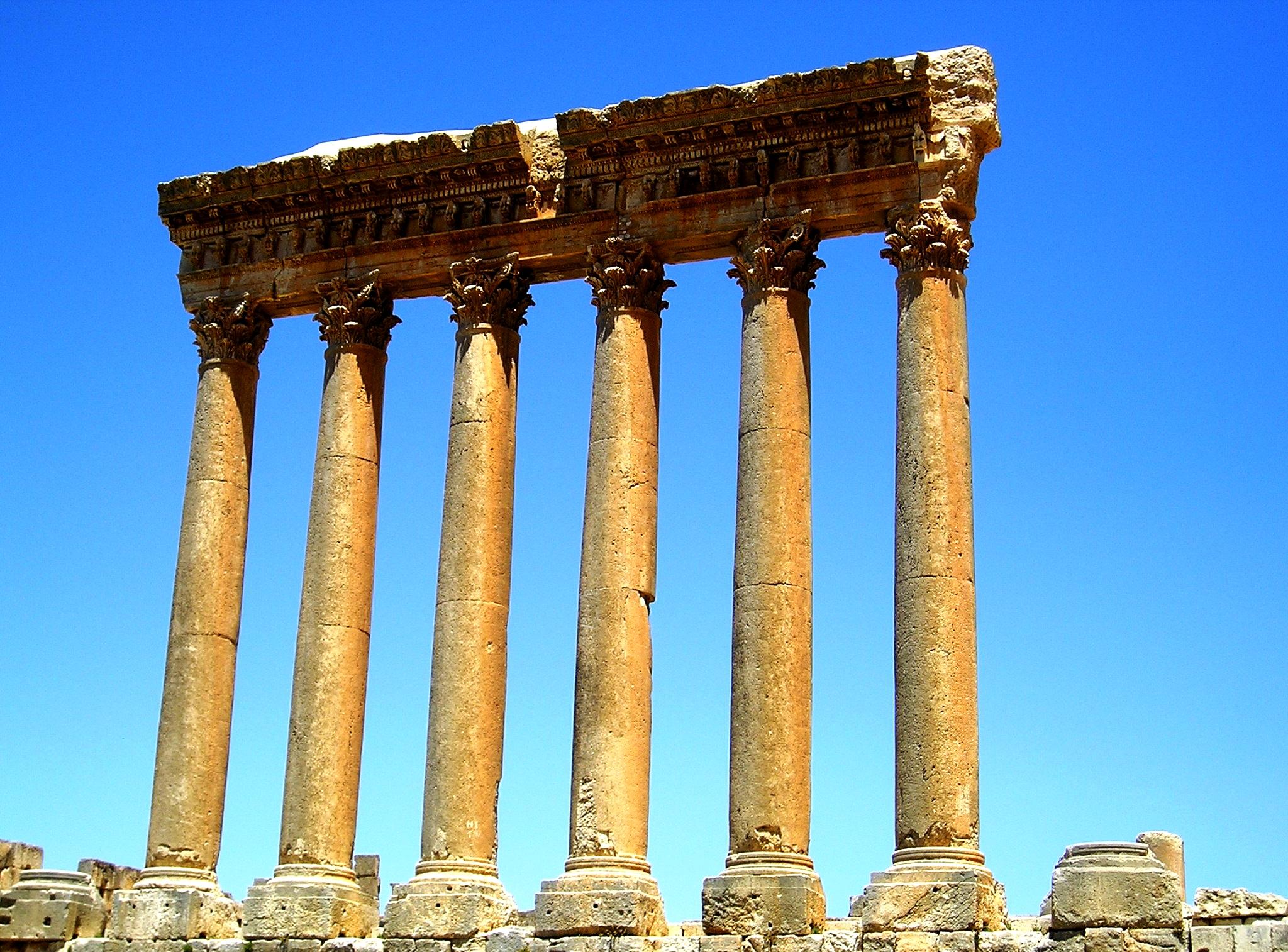 колонны в баальбеке