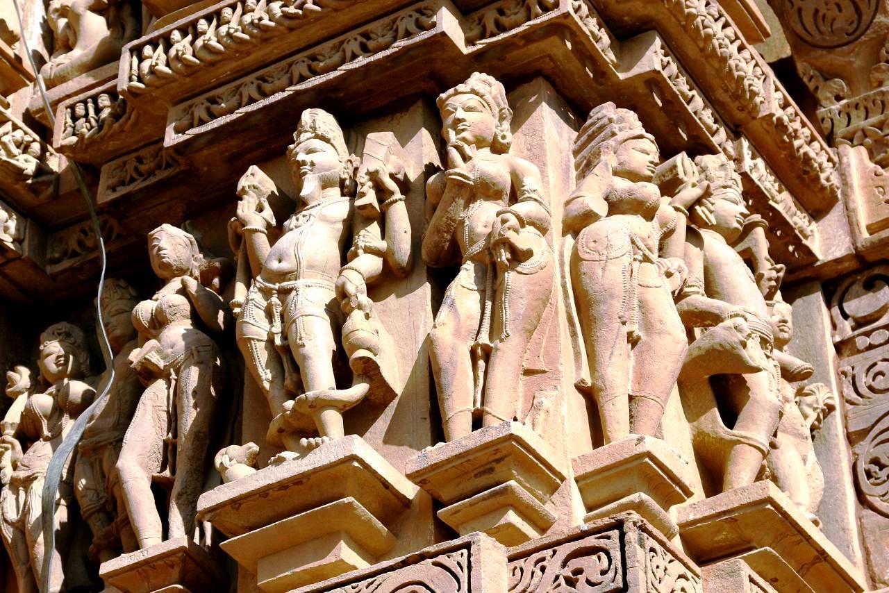 фасад храма кандарья