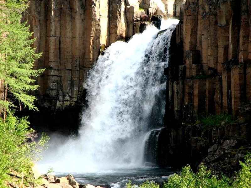 поток воды плато путорана