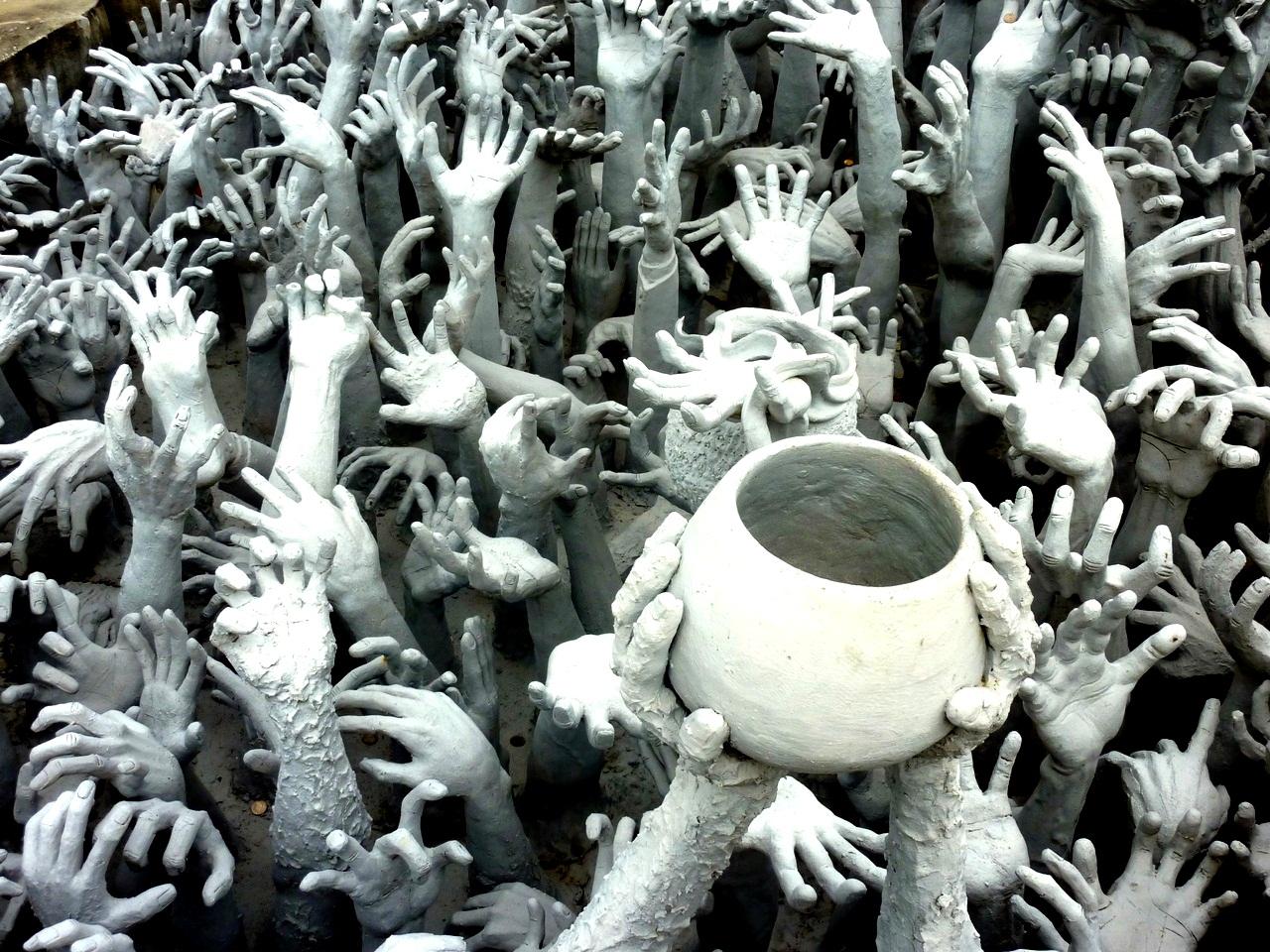 руки грешников в ват ронг кхун
