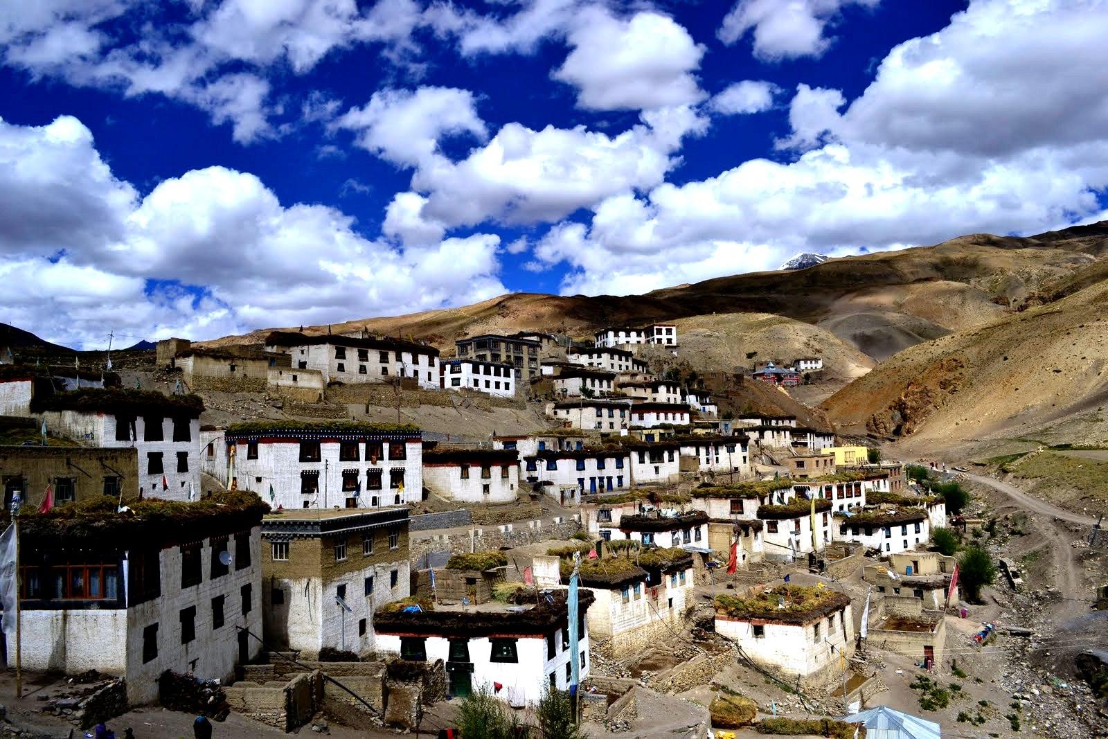 жилища буддийских монахов