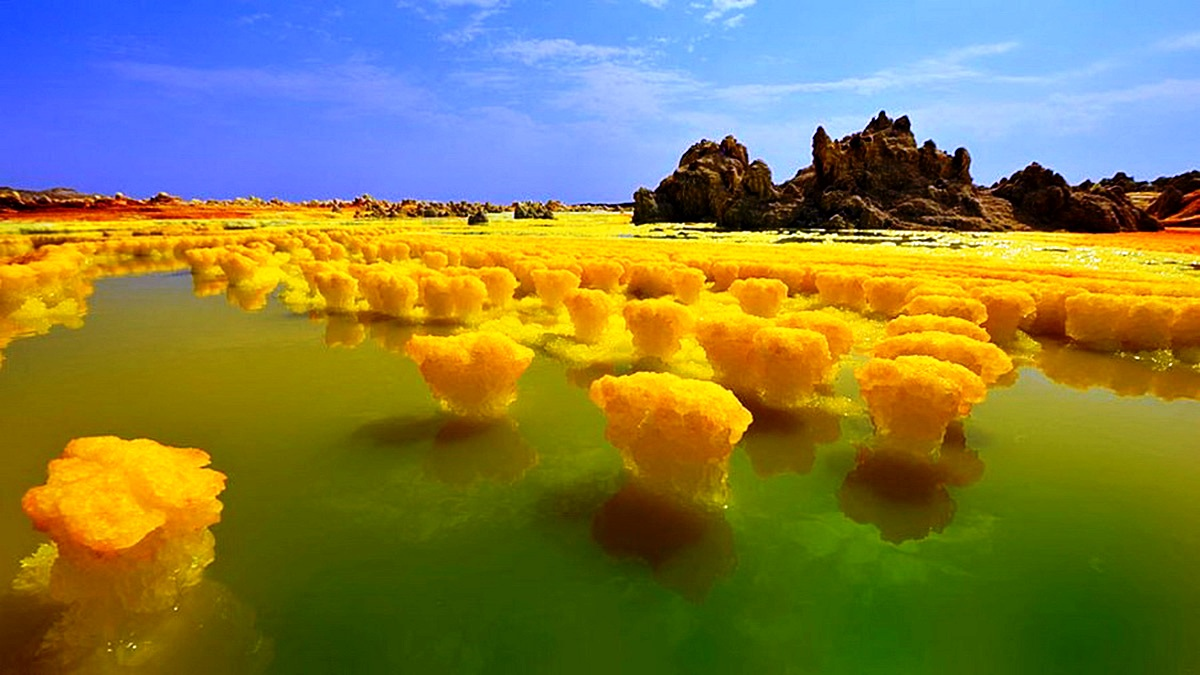 желтые кристаллы