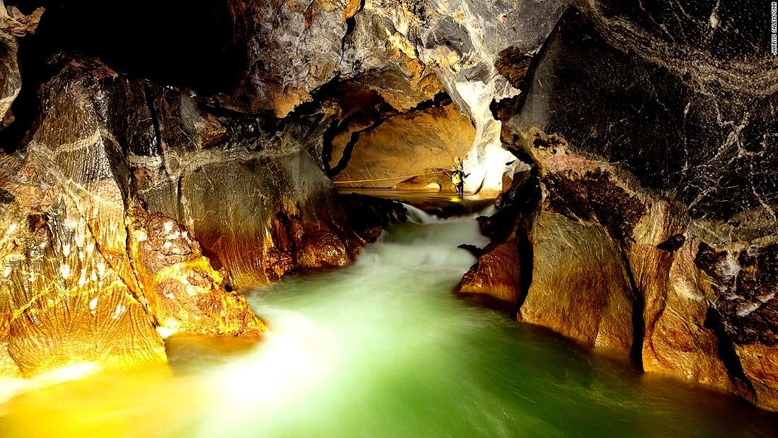 панорама пещеры шондонг