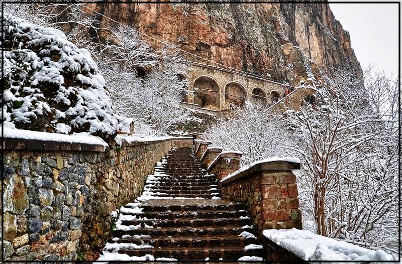 зимний монастырь сумела