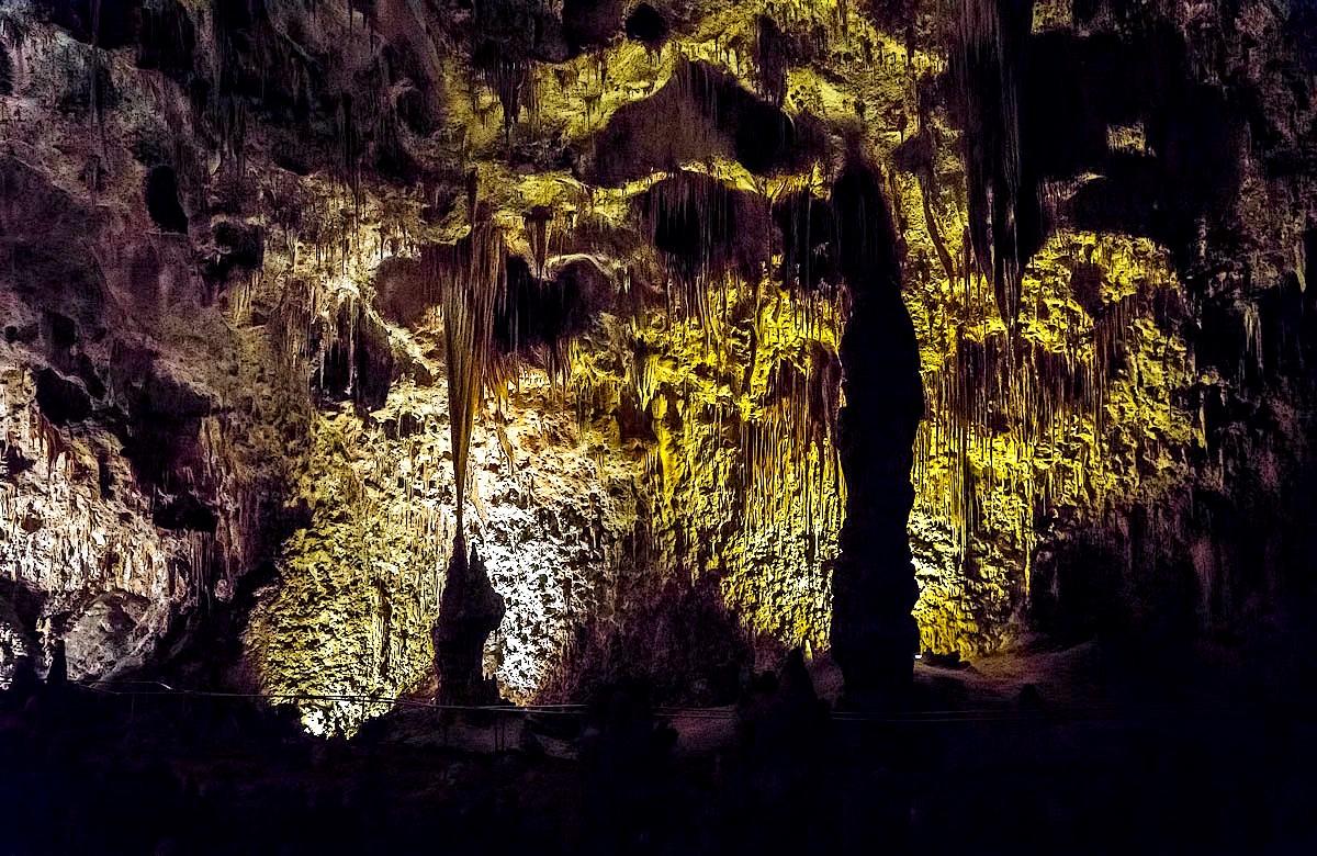 удивительные пещеры