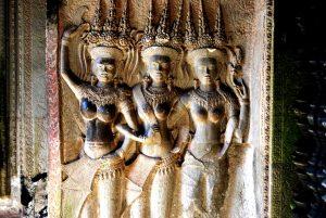 барельефы на стенах ангкора