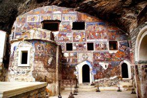 прекрасные фрески сумелы