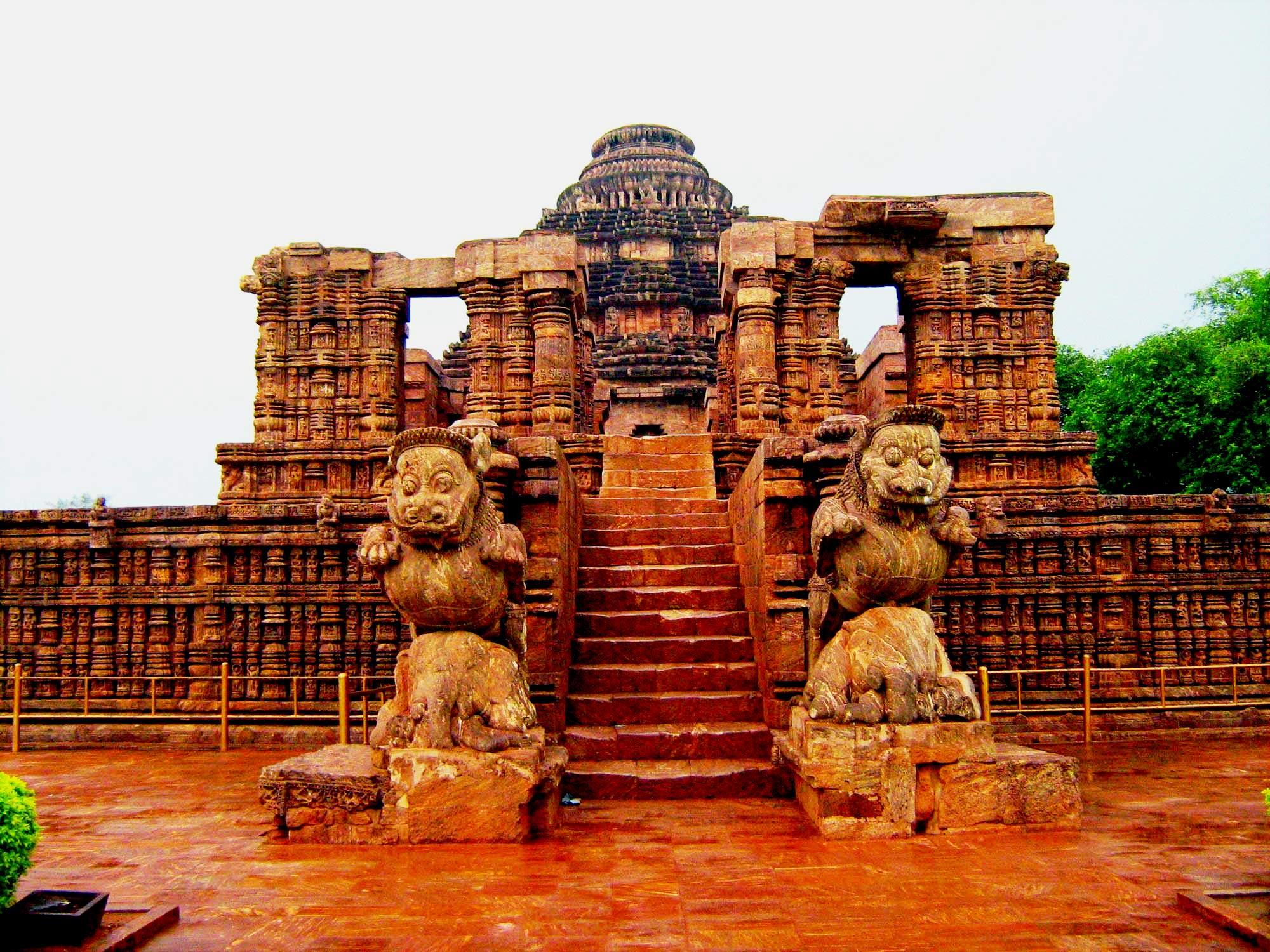 статуи храма солнца
