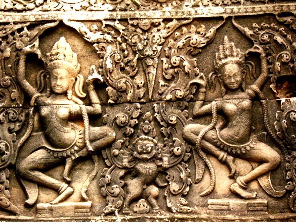 пляшущие богини ангкора