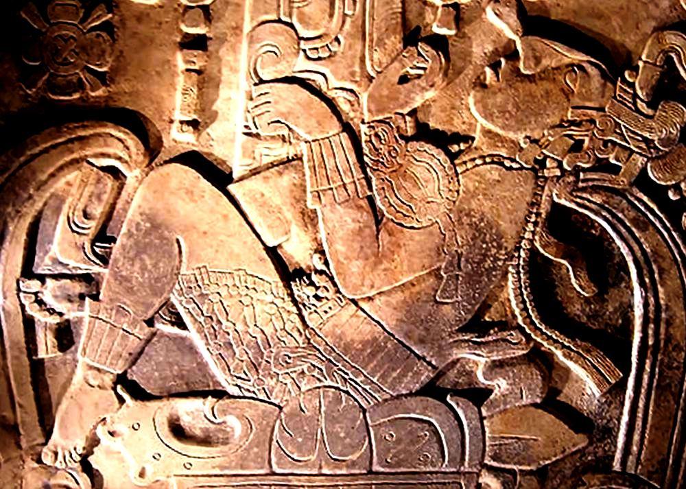 изображение на крышке саркофага паленке