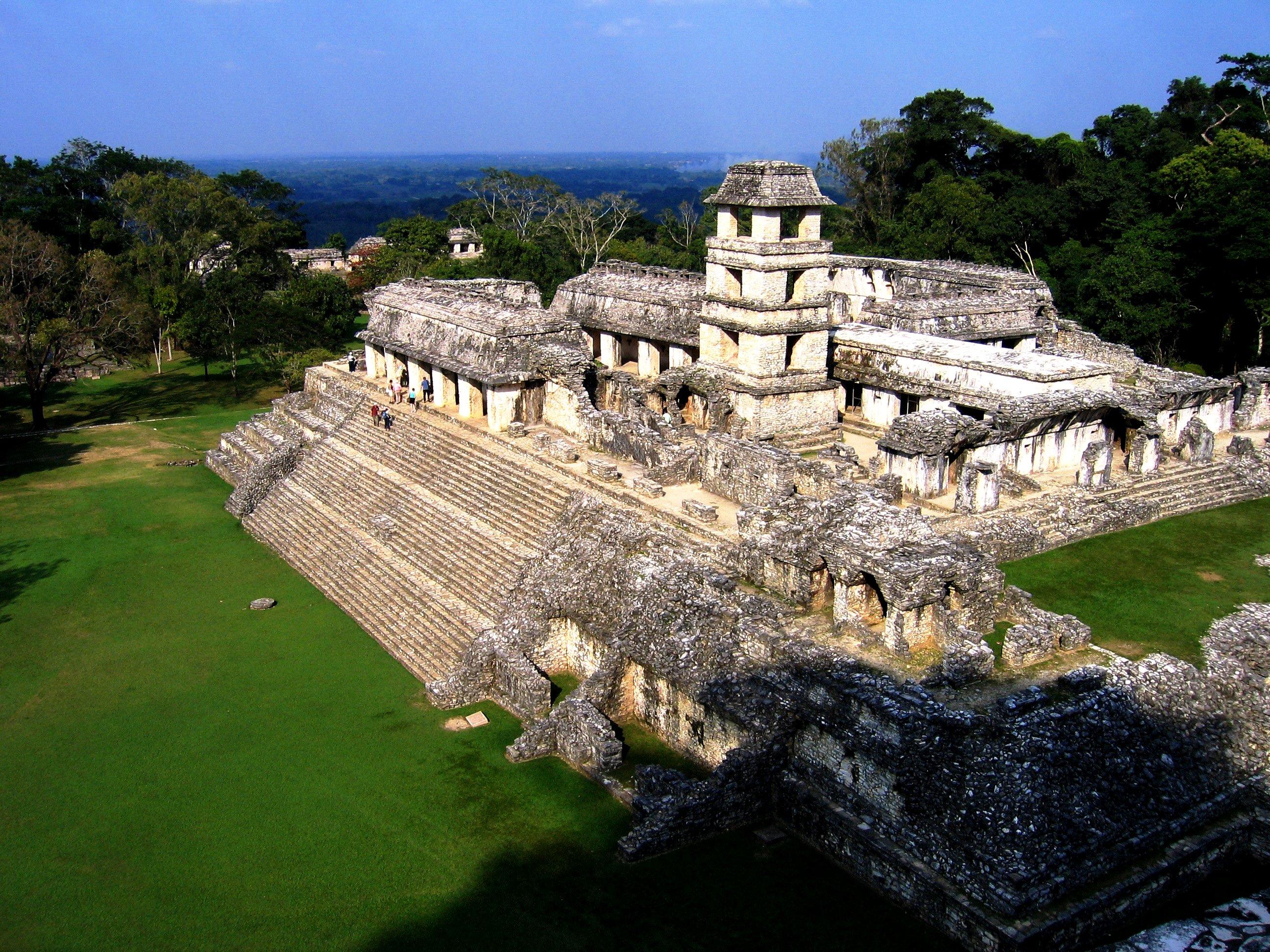 огромный храм в паленке