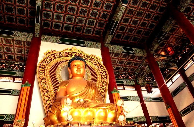 изваяние будды в лумбини