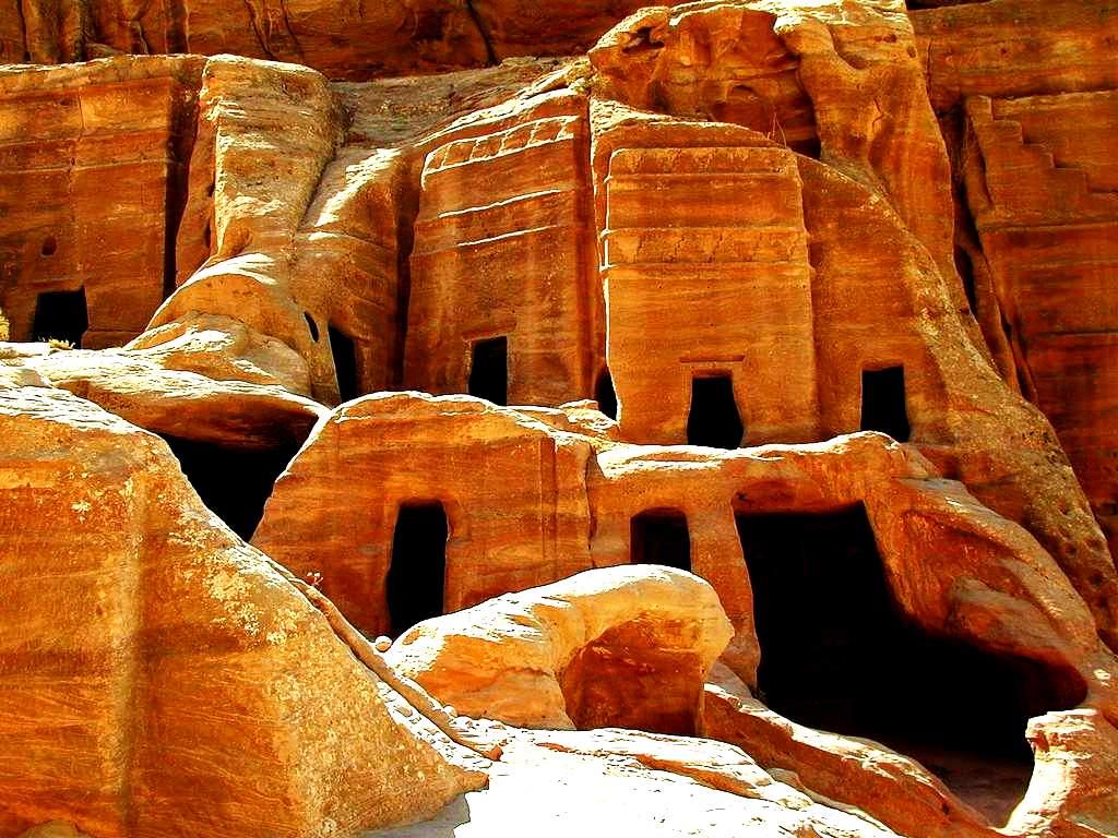 пещеры в петре