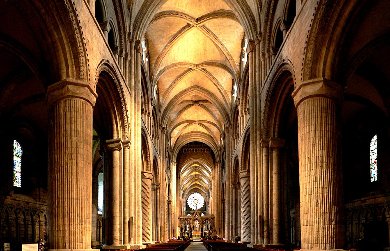 внутри собора дарема