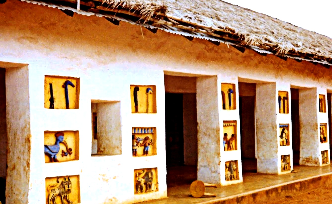 стены дворца абомея